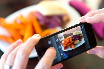 Just eat your food. There is no need to Instagram it first.